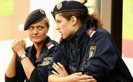 sexy police women 01